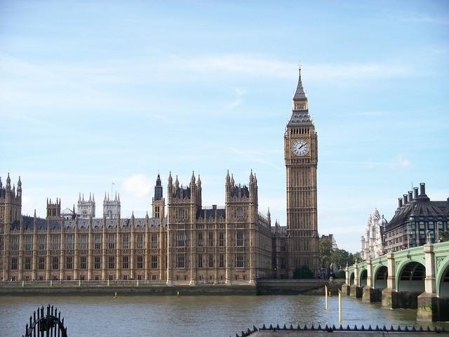 Alex France - Big Ben + Houses of Parliament CC BY SA 2.0